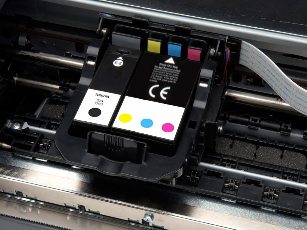 Струйный принтер с общим картриджем