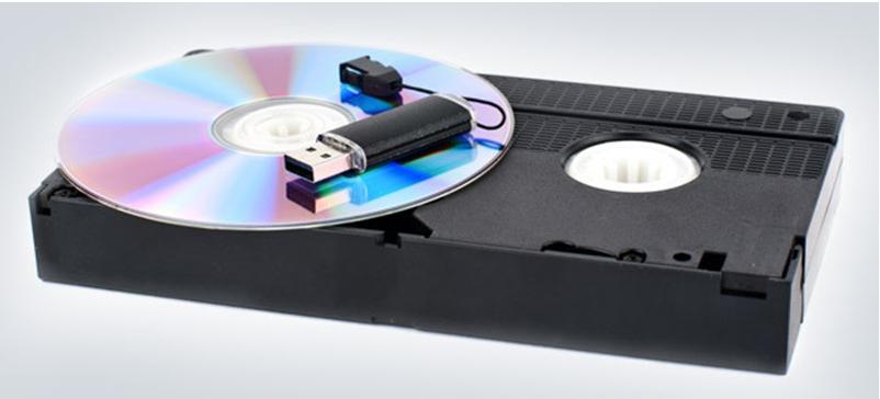 видеокассета, диск и флешка