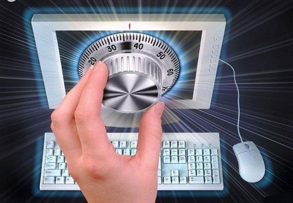 Взломать пароль Администратора и войти в систему под его учетной записью - легко и без усилий