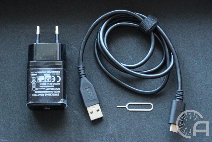 Блок и кабель зарядки