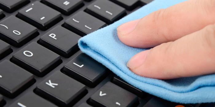 Чистка клавиш клавиатуры ноутбука