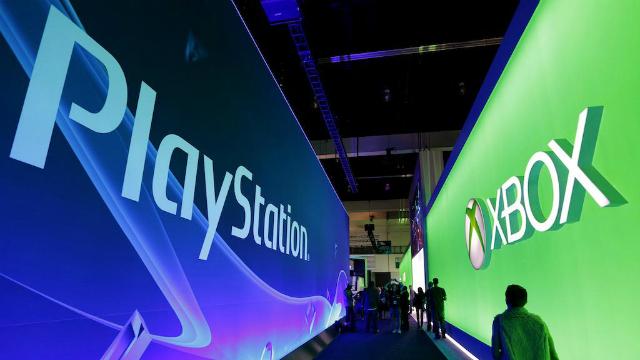 """PlayStation vs Xbox Battle на выставке в честь """"Черной пятницы"""""""