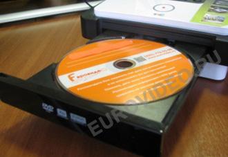 Для записи оцифрованного видеосигнала вставьте записываемый DVD диск в рекордер